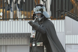 Darth Vader uses the Dark Side at Star Wars Weekends