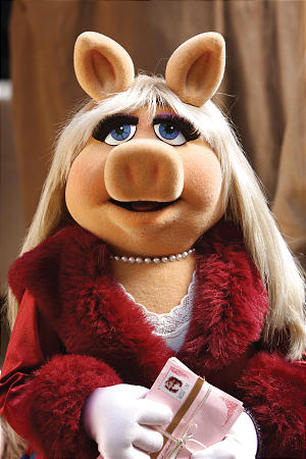 2015 National Christmas Tree Lighting To Star Miss Piggy As Special Guest