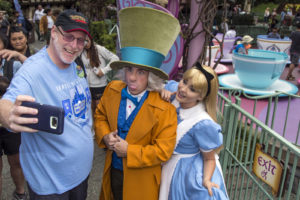 Jeff Reitz, who has visited the parks of the Disneyland Resort every day since January 1, 2012, marked his 2,000th consecutive visit on Thursday, June 22