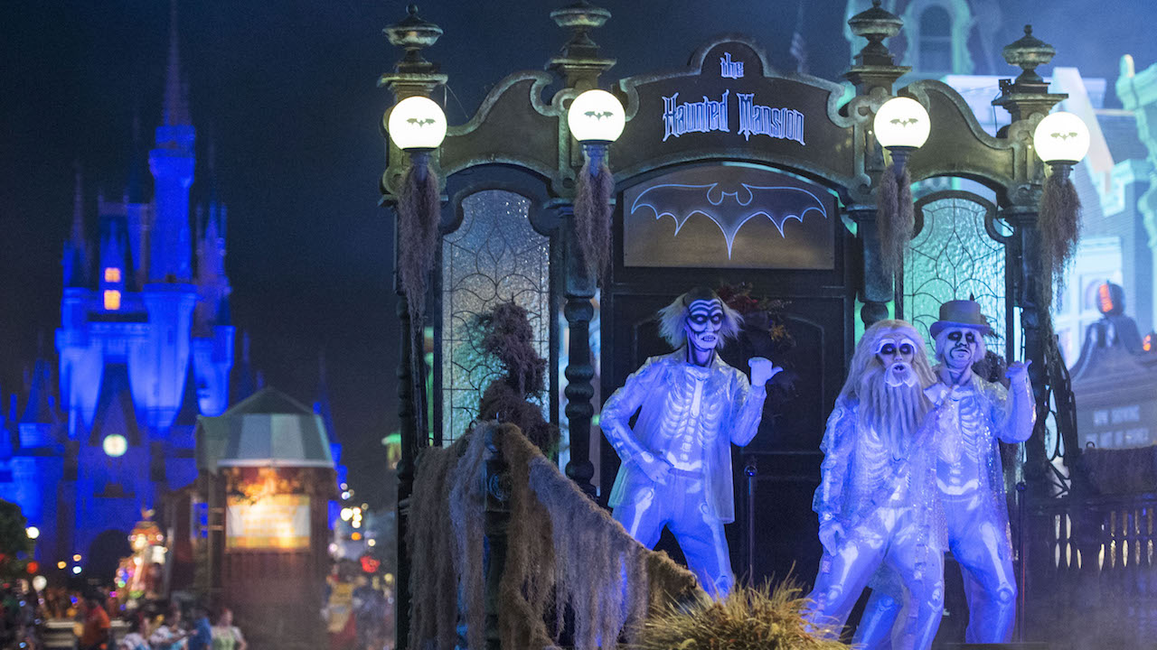 "Disney Parks Blog to LIVE Stream ""Mickey's Boo To You Parade"" on September 22!"